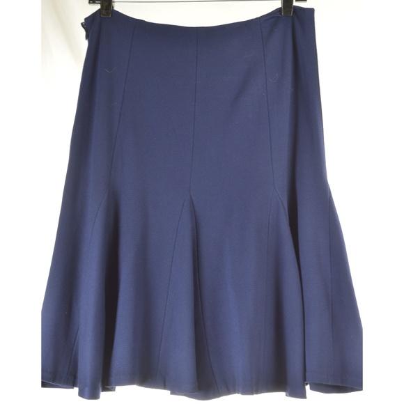 Ralph Lauren Dresses & Skirts - Ralph Lauren skirt SZ 8 tulip mermaid style triang